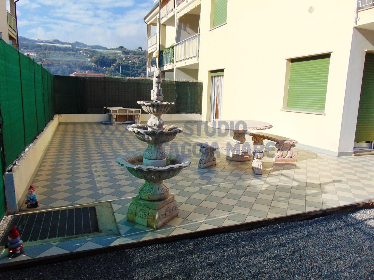 Appartamento in vendita a Taggia, 4 locali, prezzo € 310.000 | Cambio Casa.it
