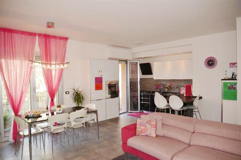 Appartamento in vendita a Savona, 4 locali, prezzo € 230.000 | CambioCasa.it