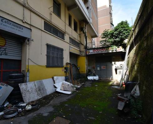 Capannone in vendita a Genova (GE)