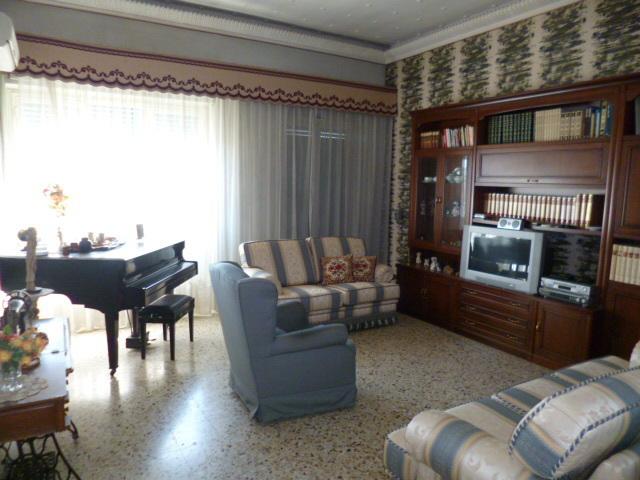 Appartamento 6 locali in vendita a Ragusa (RG)