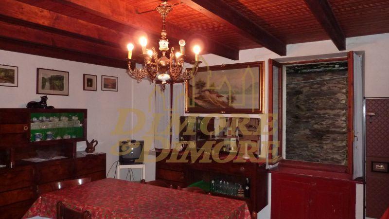 Villa a Schiera in vendita a Cossogno, 3 locali, prezzo € 30.000 | CambioCasa.it