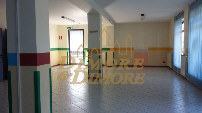 Negozio / Locale in vendita a Verbania, 3 locali, prezzo € 400.000 | CambioCasa.it