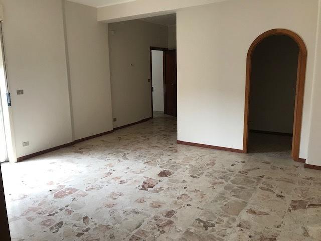 appartamenti e attici catania affitto    incipitcasa