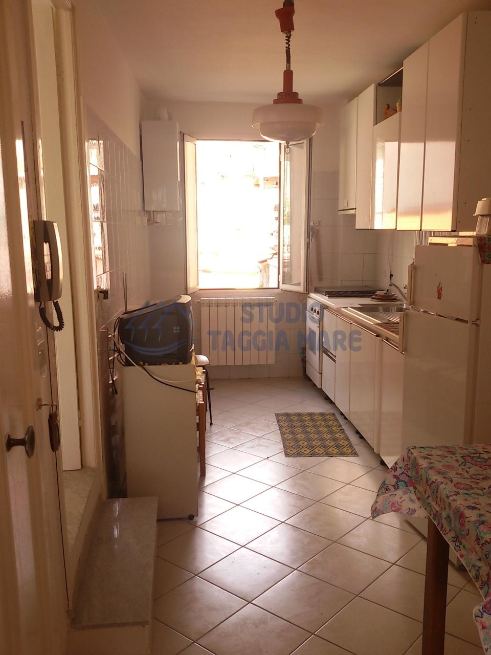 Appartamento in affitto a Badalucco, 3 locali, prezzo € 300 | Cambio Casa.it