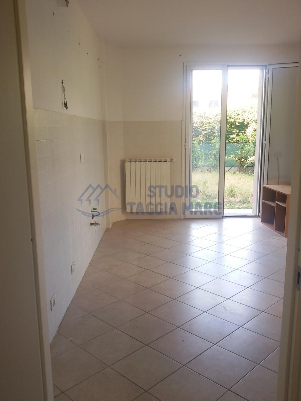 Bilocale Taggia Via San Francesco 453 8