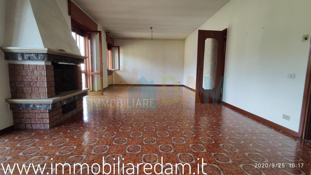 montebello vicentino vendita quart: centrale immobiliare d.a.m. di dario alberto magagna