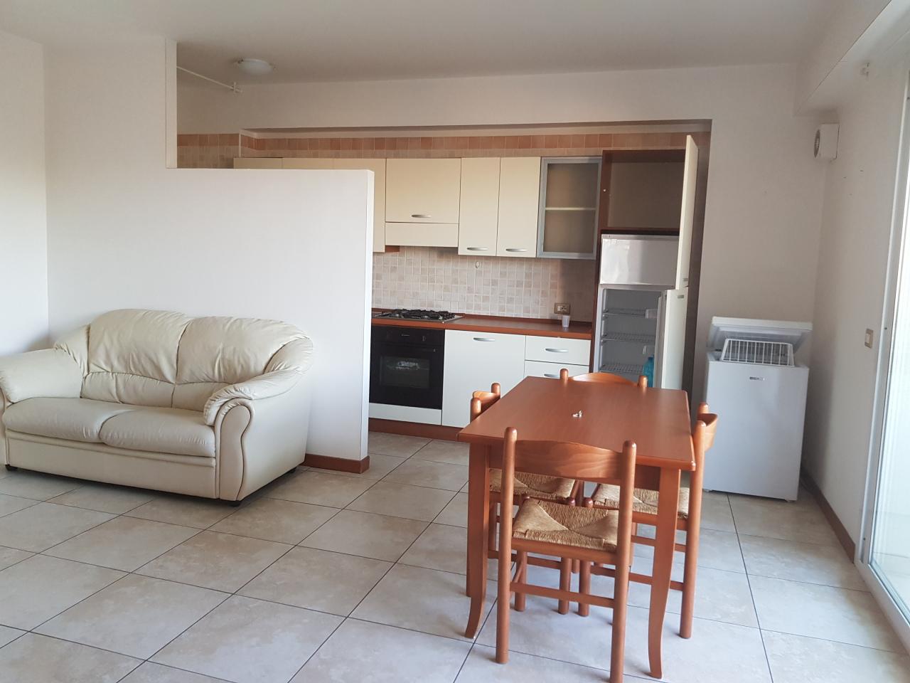 Appartamento, 75 Mq, Affitto - Ragusa (Ragusa)