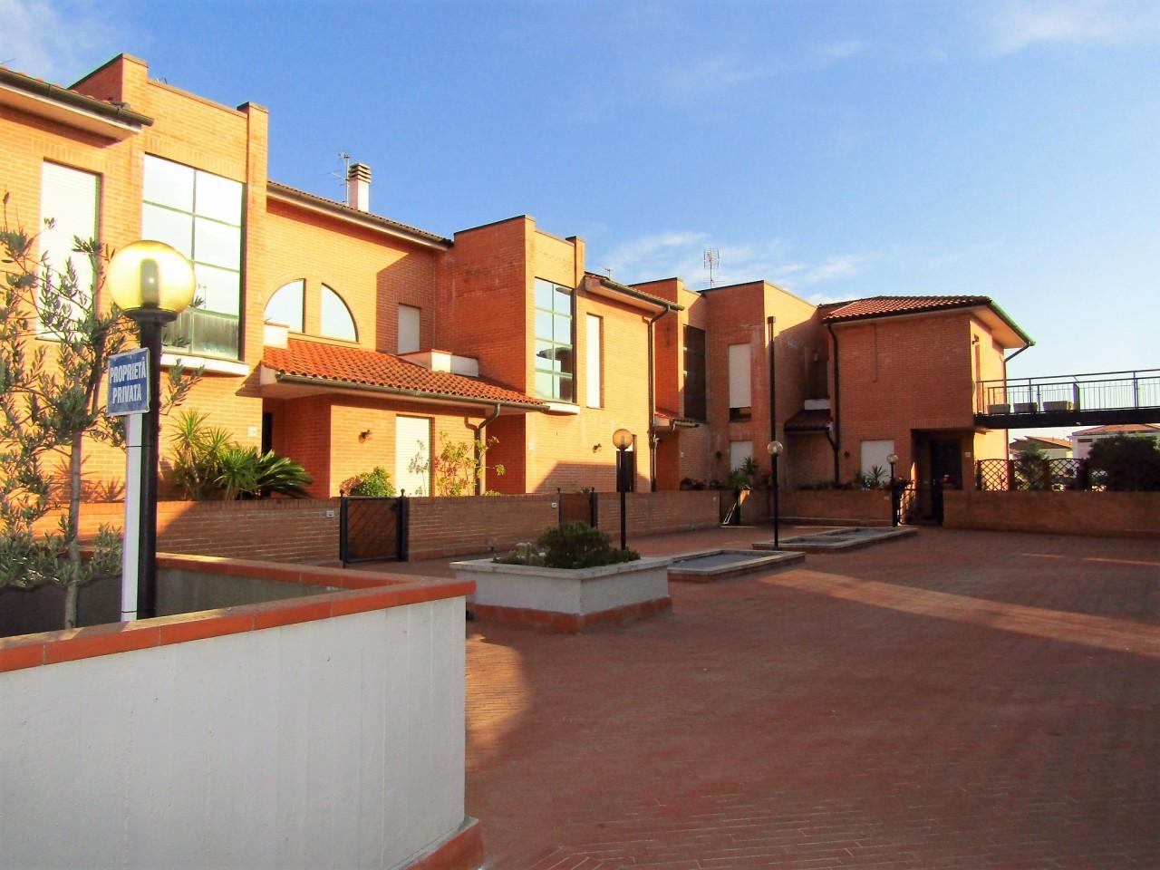 Palazzo / Stabile in vendita a Livorno, 6 locali, prezzo € 415.000   CambioCasa.it