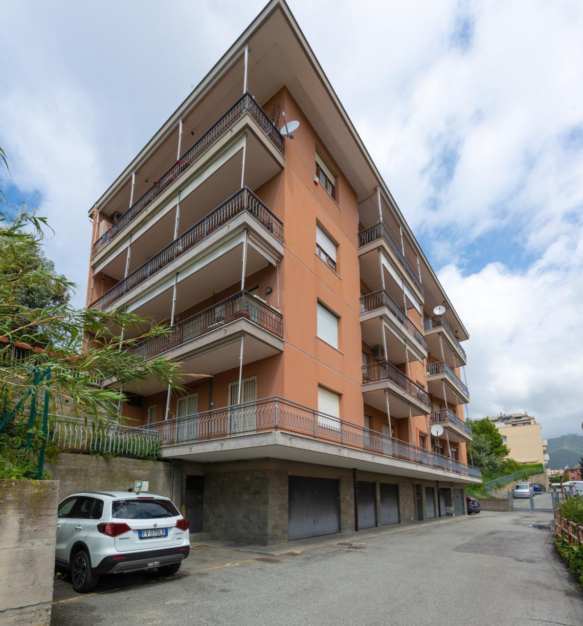 Appartamenti e Attici GENOVA vendita  Sturla  Villani Studio
