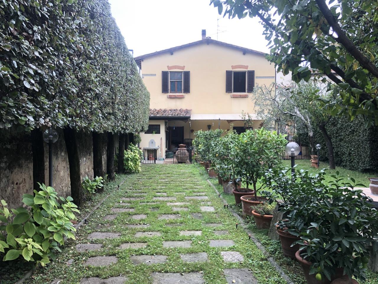 Casa singola a Firenze (1/5)