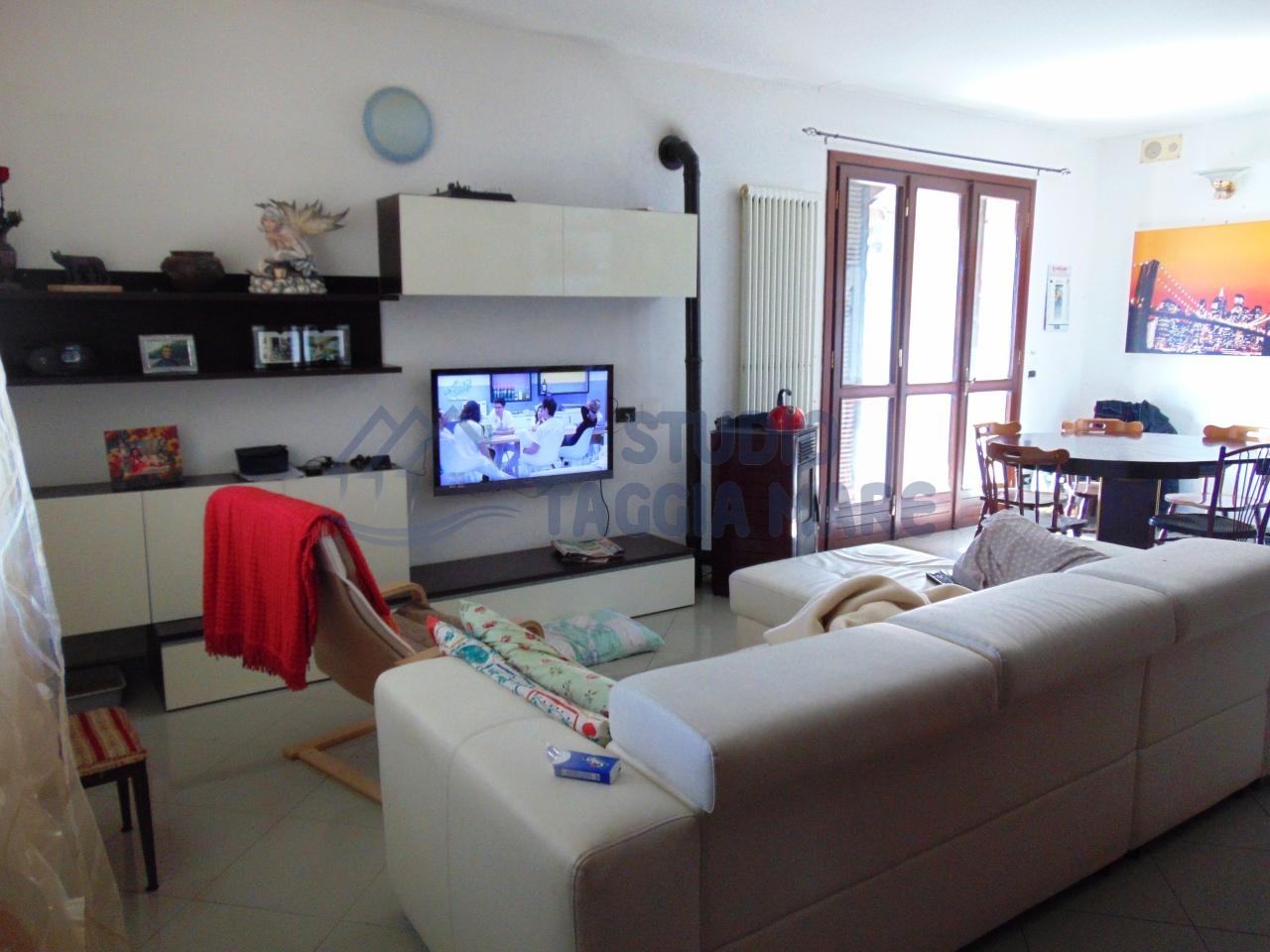 Villa in affitto a Taggia, 6 locali, prezzo € 900   Cambio Casa.it