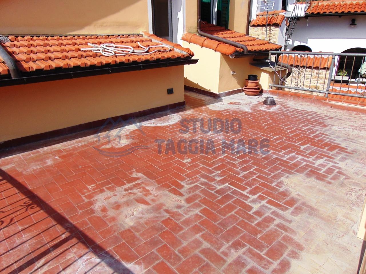 Appartamento in affitto a Pompeiana, 2 locali, prezzo € 300 | CambioCasa.it