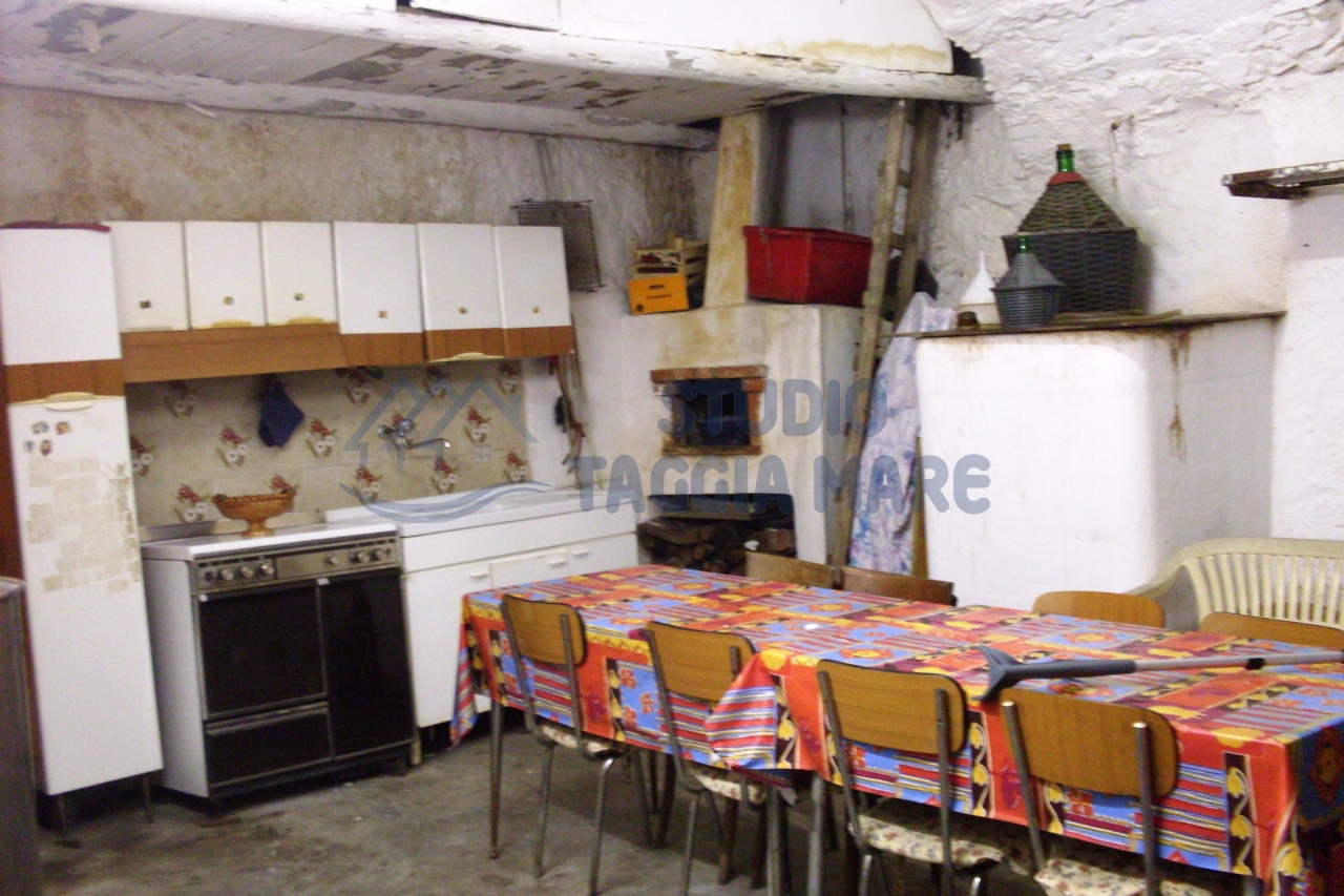 Loft / Openspace in Vendita a Taggia
