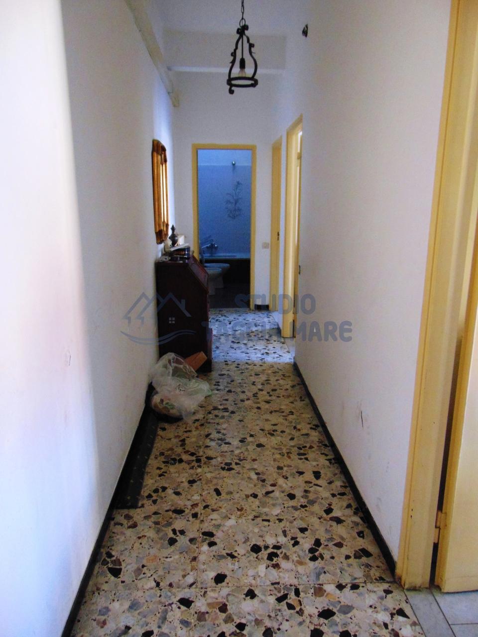 Appartamento in affitto a Taggia, 3 locali, prezzo € 450 | Cambio Casa.it