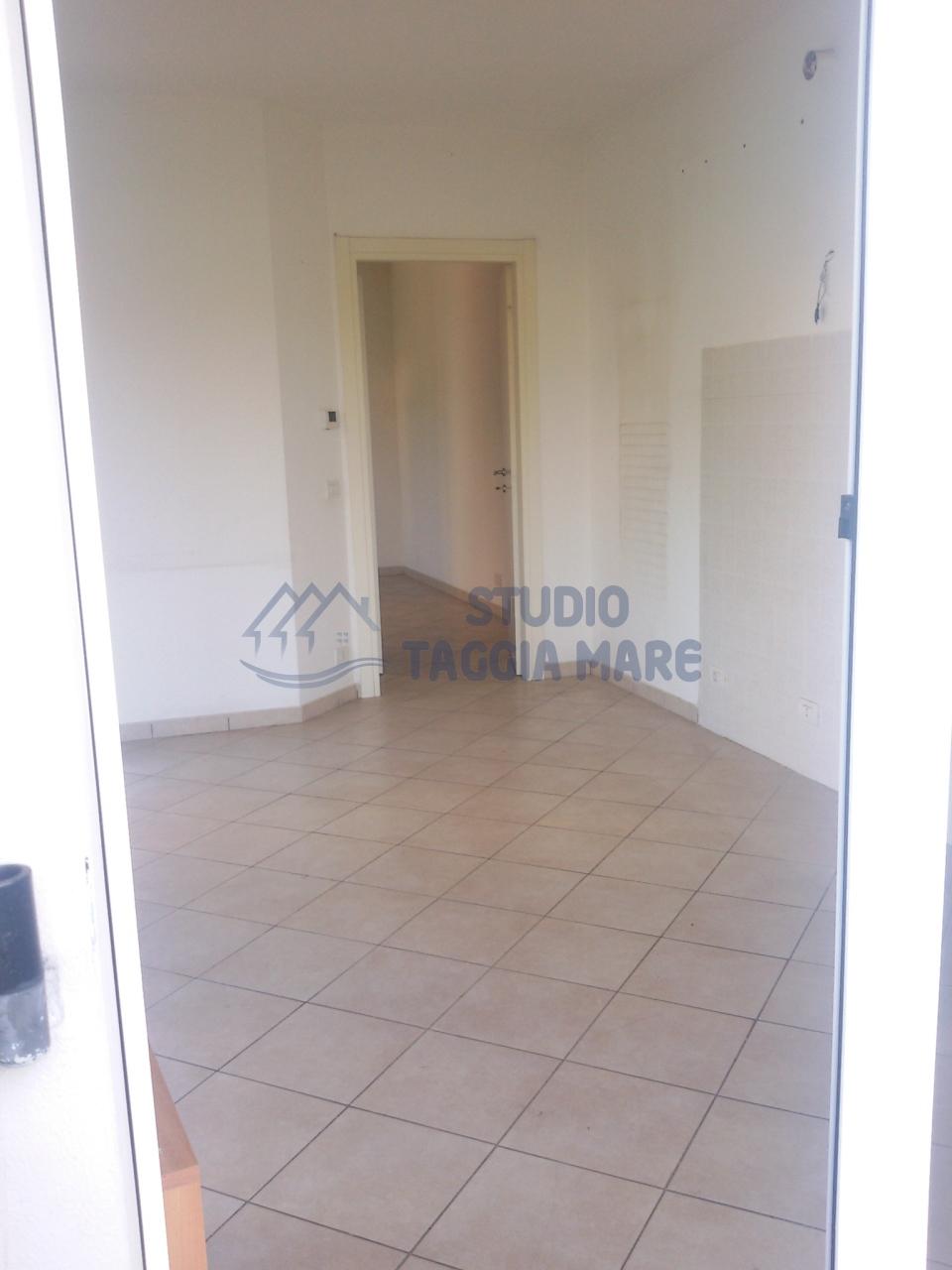Bilocale Taggia Via San Francesco 453 12