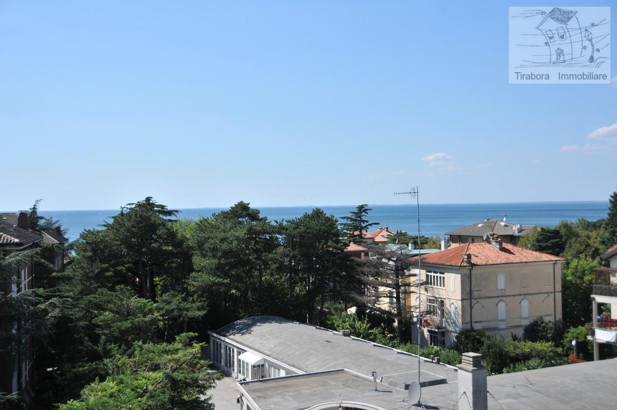 Bilocale Trieste Via Del Cerreto 7/2 2