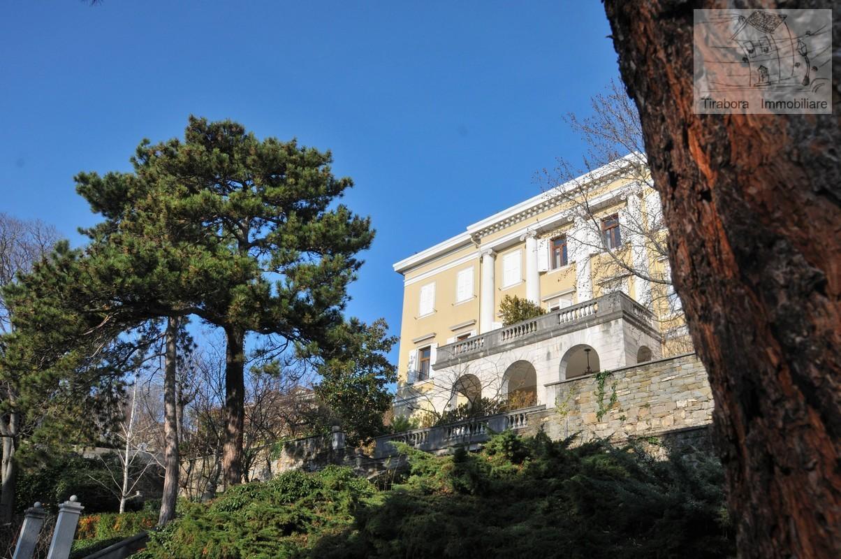 Appartamento in vendita a Trieste, 6 locali, Trattative riservate | CambioCasa.it