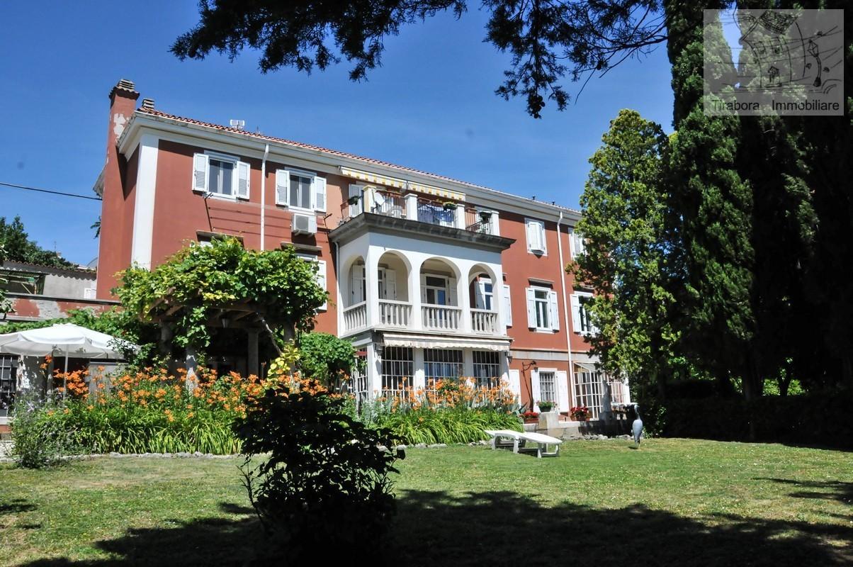 Villa in vendita a Trieste, 10 locali, prezzo € 950.000   CambioCasa.it