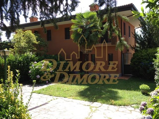 Villa a Schiera in affitto a Monvalle, 5 locali, prezzo € 1.000 | CambioCasa.it