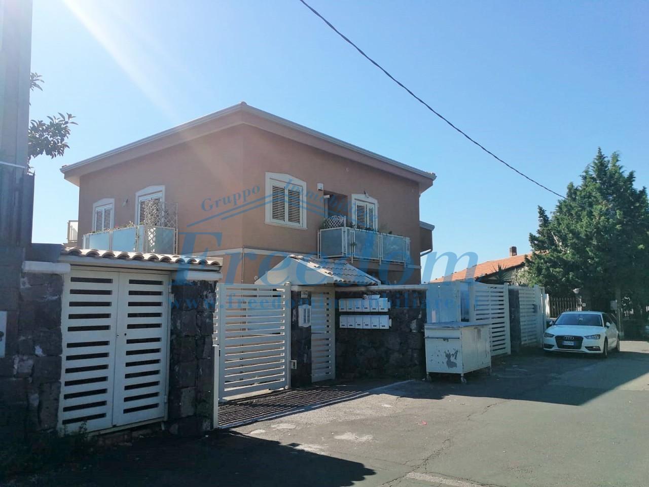 Casa indipendente in vendita a Viagrande (CT)