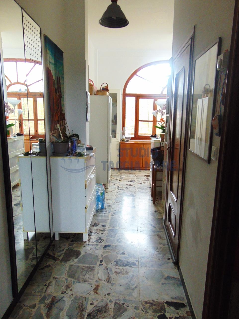 Appartamento in affitto a Pompeiana, 4 locali, prezzo € 500 | CambioCasa.it