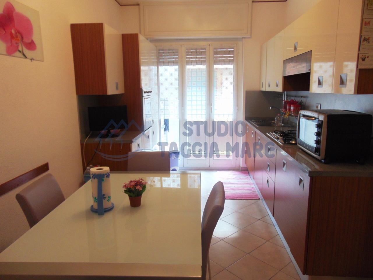 Appartamento in vendita a Taggia, 3 locali, prezzo € 225.000 | CambioCasa.it