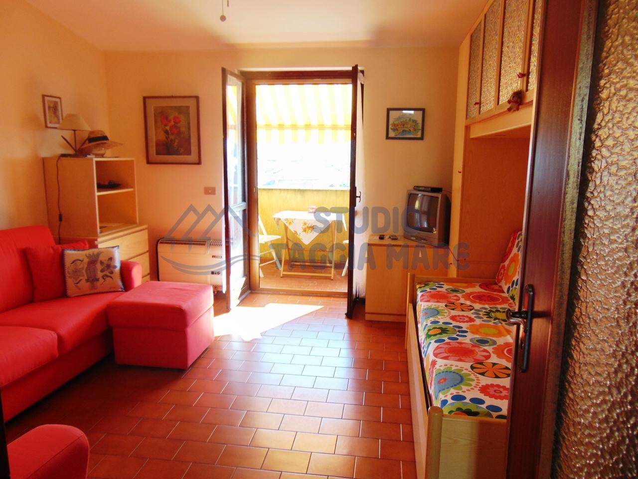 Appartamento in vendita a Pompeiana, 2 locali, prezzo € 85.000 | CambioCasa.it