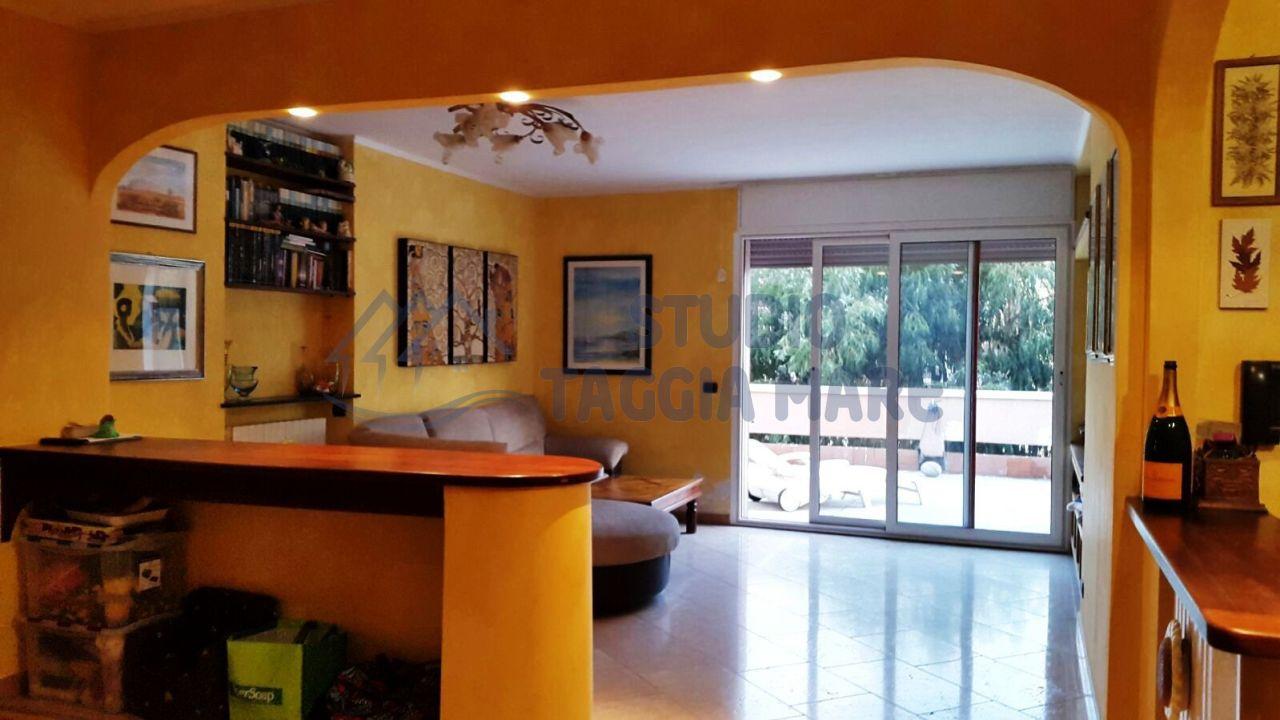 Appartamento in vendita a Taggia, 5 locali, Trattative riservate | CambioCasa.it