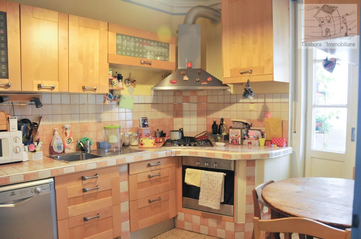 Appartamento in vendita a Trieste, 5 locali, prezzo € 107.000 | CambioCasa.it