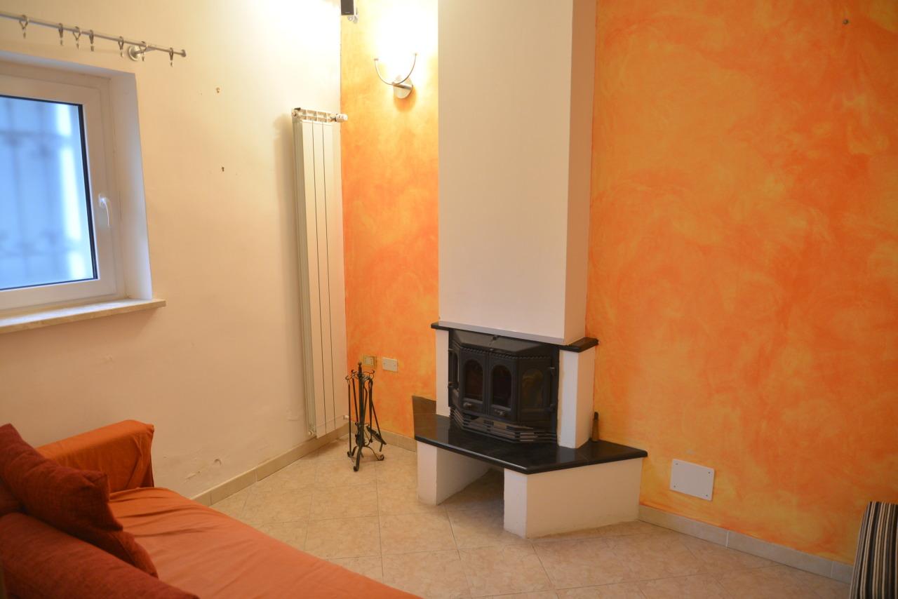 Soluzione Semindipendente in vendita a Vado Ligure, 5 locali, prezzo € 165.000 | Cambio Casa.it