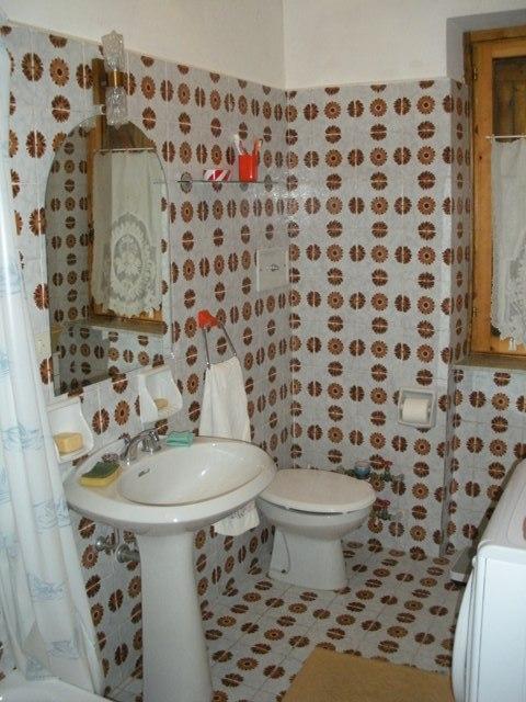 Codice 182 appartamento quadrilocale vendita a sassello agenzia romano di romano luciana - Bagno romano igea marina ...