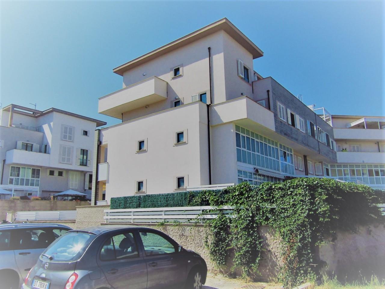 Appartamento in vendita a Livorno, 4 locali, prezzo € 235.000 | CambioCasa.it