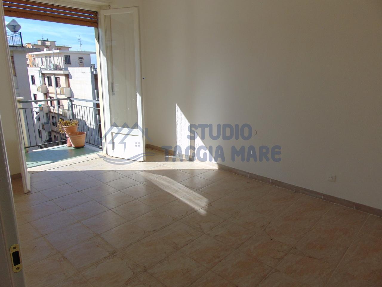 Bilocale Taggia Via Stazione 11