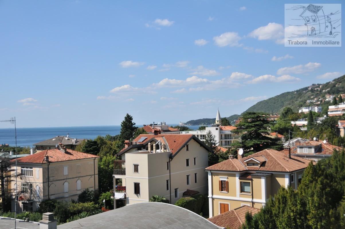 Bilocale Trieste Via Del Cerreto 7/2 4