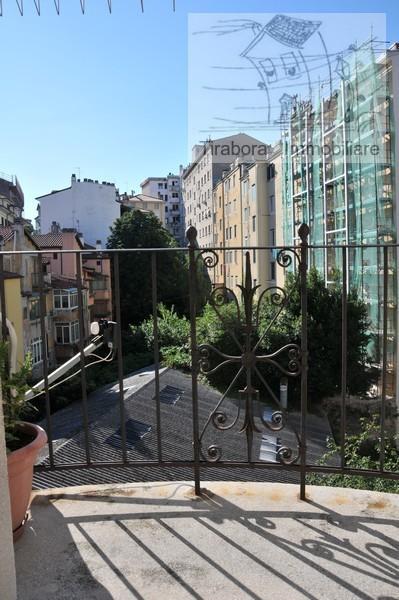 Appartamento in vendita a Trieste, 5 locali, prezzo € 115.000 | CambioCasa.it