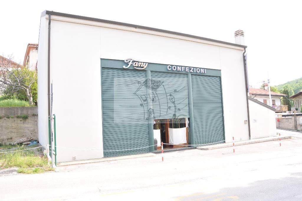 Attività / Licenza in vendita a Muggia, 5 locali, prezzo € 290.000 | CambioCasa.it