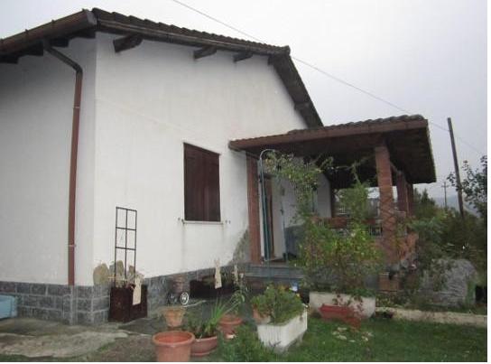 Foto 1 di Villa Frazione Zebedassi 14, Cantalupo Ligure