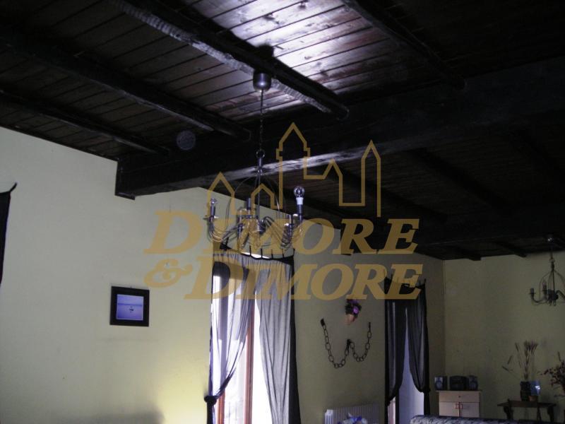 Appartamento in affitto a Lesa, 5 locali, prezzo € 650 | CambioCasa.it