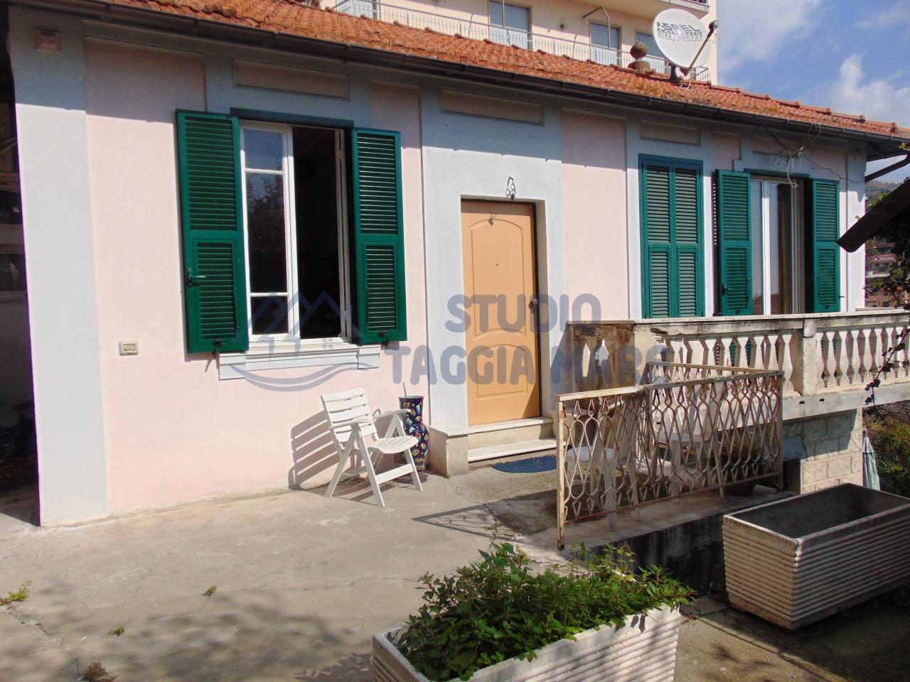 Soluzione Indipendente in vendita a SanRemo, 5 locali, prezzo € 210.000 | CambioCasa.it