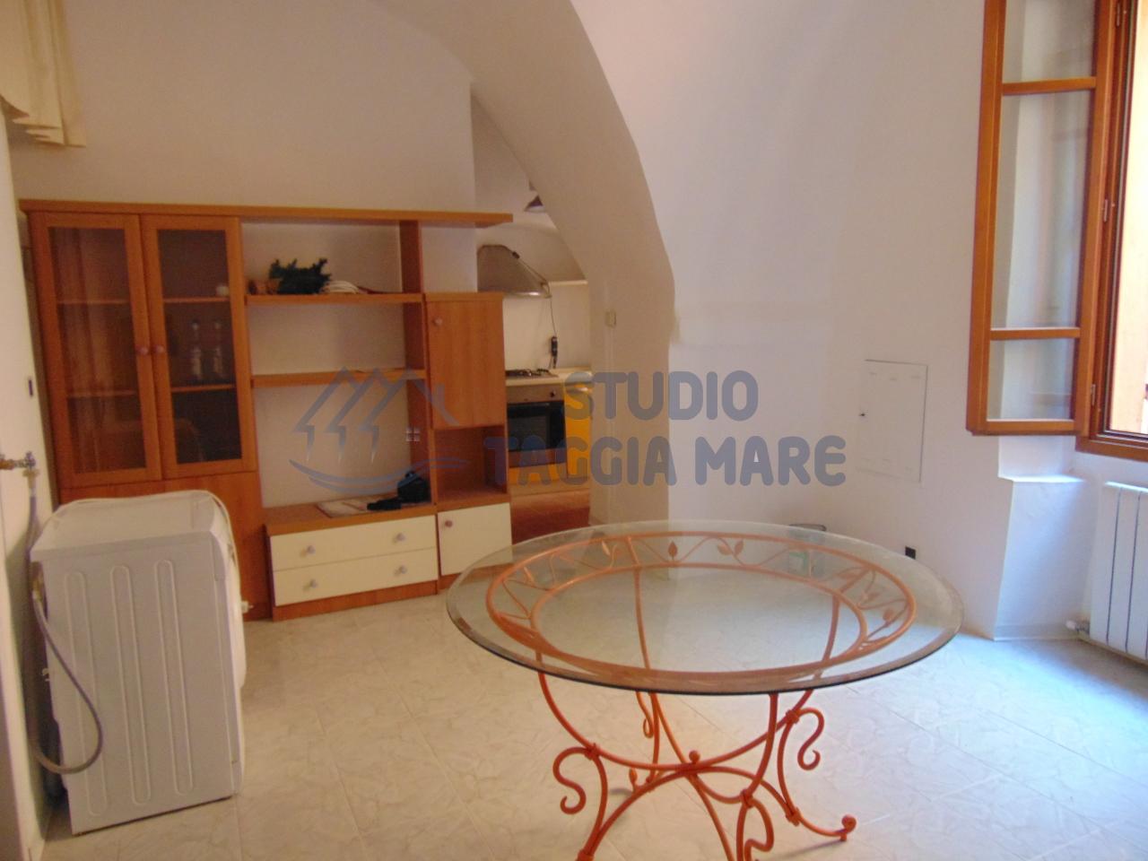Bilocale Taggia Via Santa Lucia 11 5
