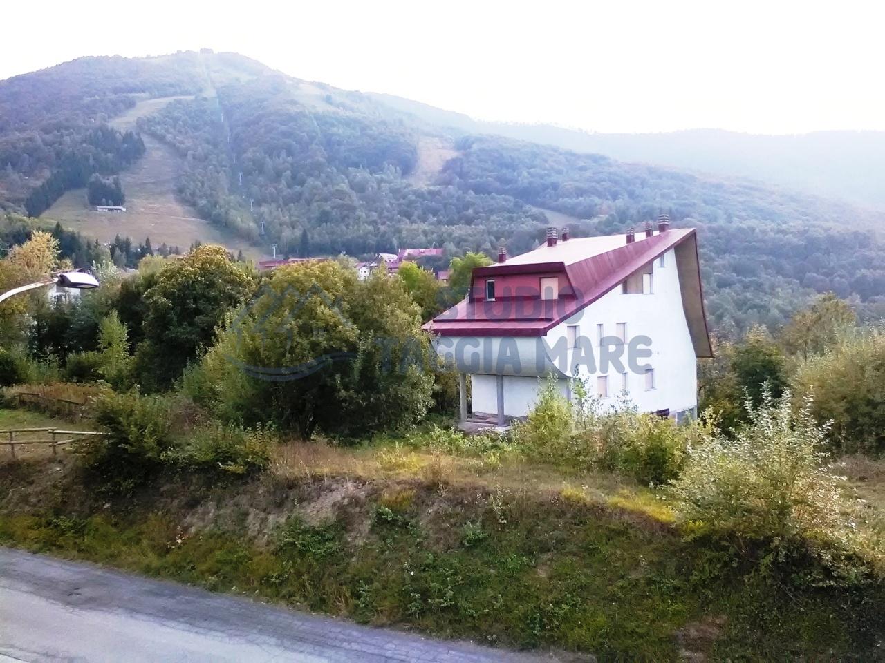 Loft / Openspace in vendita a Viola, 2 locali, prezzo € 29.000 | CambioCasa.it