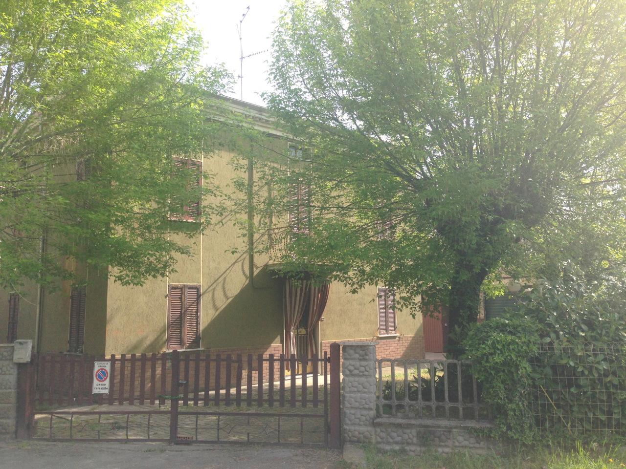 Soluzione Indipendente in vendita a Parma, 5 locali, prezzo € 220.000 | CambioCasa.it
