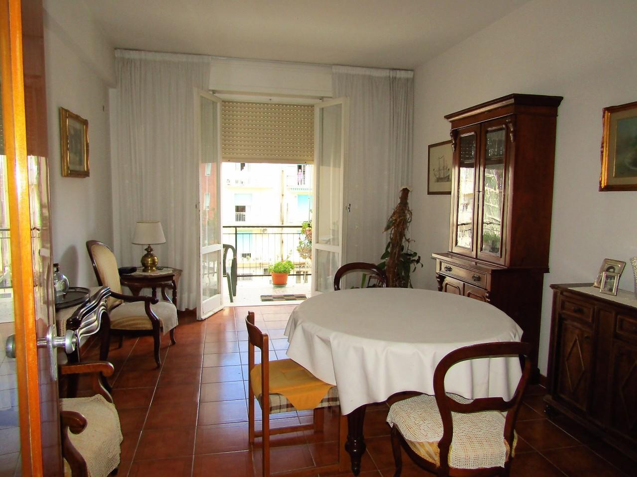 Appartamento in vendita a Livorno, 4 locali, prezzo € 130.000 | CambioCasa.it