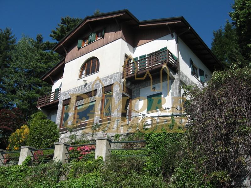 Villa in Vendita a Premeno