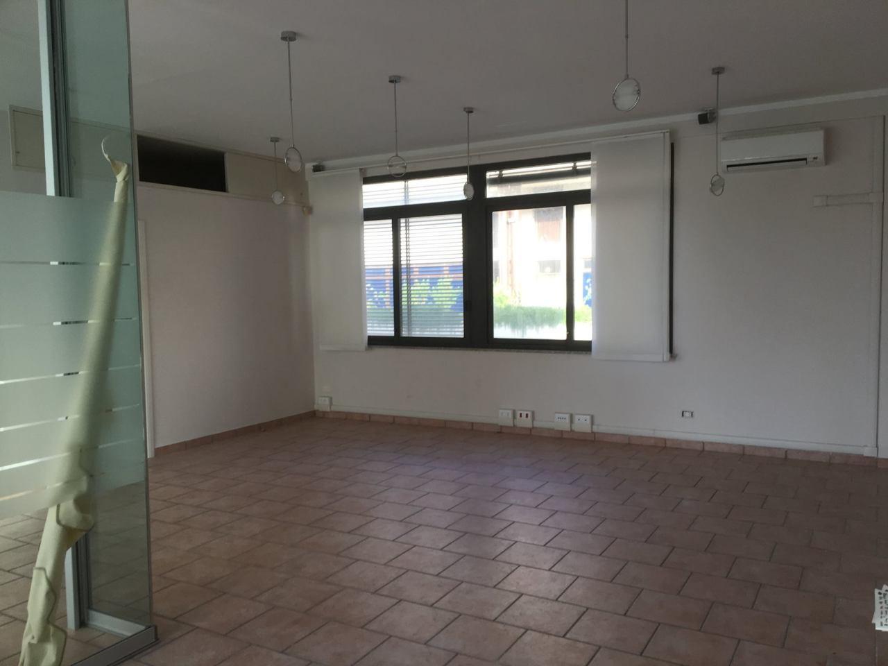 Locale comm.le/Fondo in affitto a Pietrasanta (LU)
