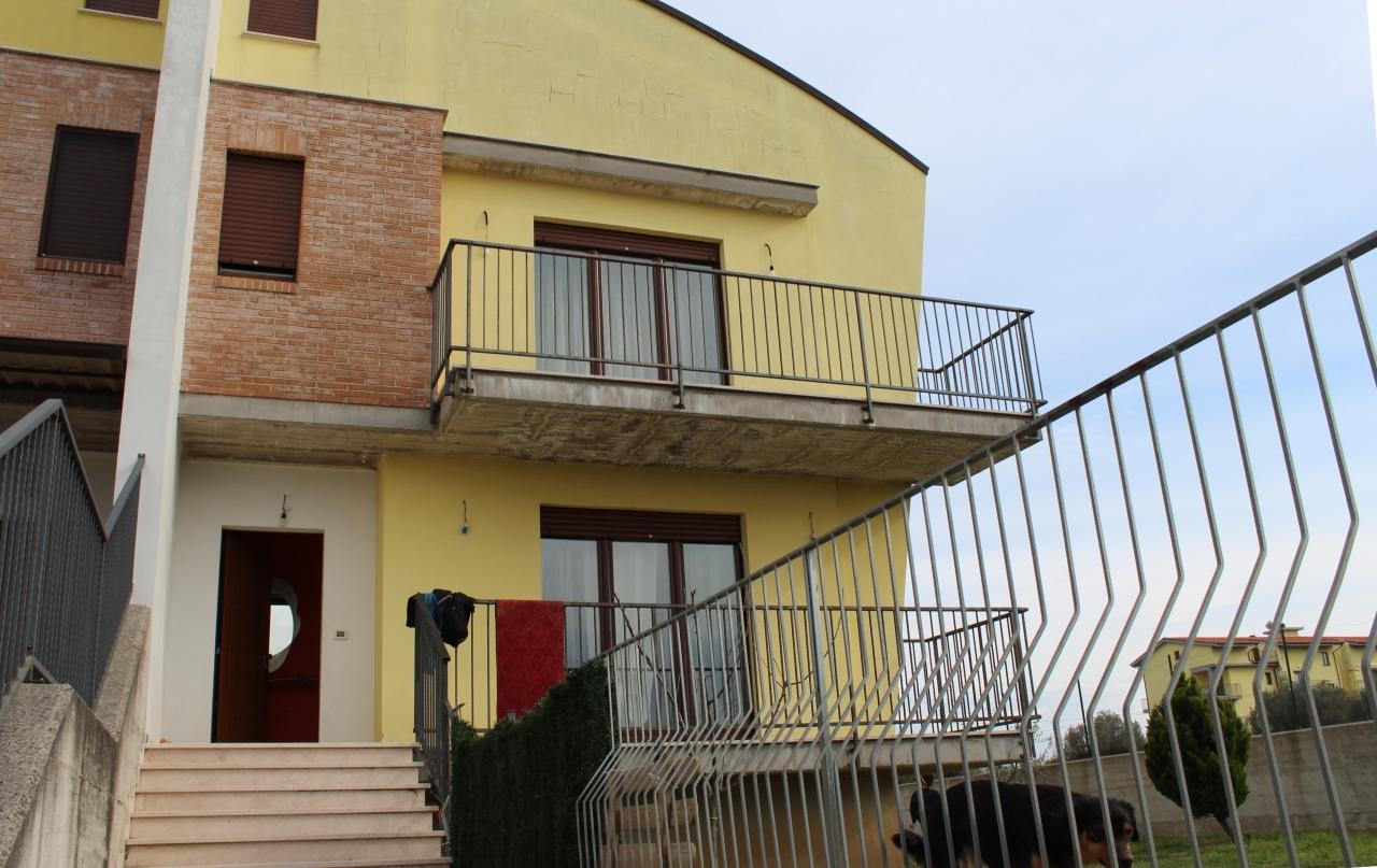 Casa semi-indipendente in vendita a Rocca San Giovanni (CH)