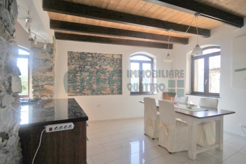 mansarda sottotetto soffitta solaio vendita pontedassio di metri quadrati 160 prezzo 175000 rif aaa04
