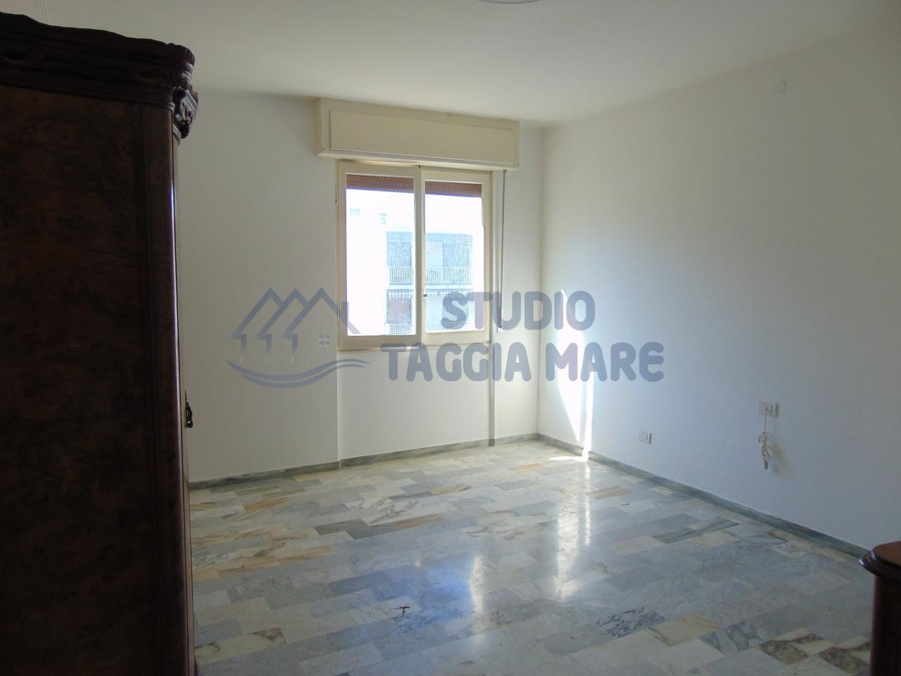 Bilocale Taggia Via Stazione 3