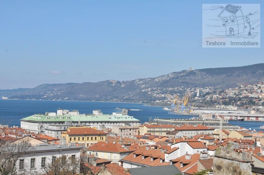 Bilocale Trieste Via Cereria 10 5