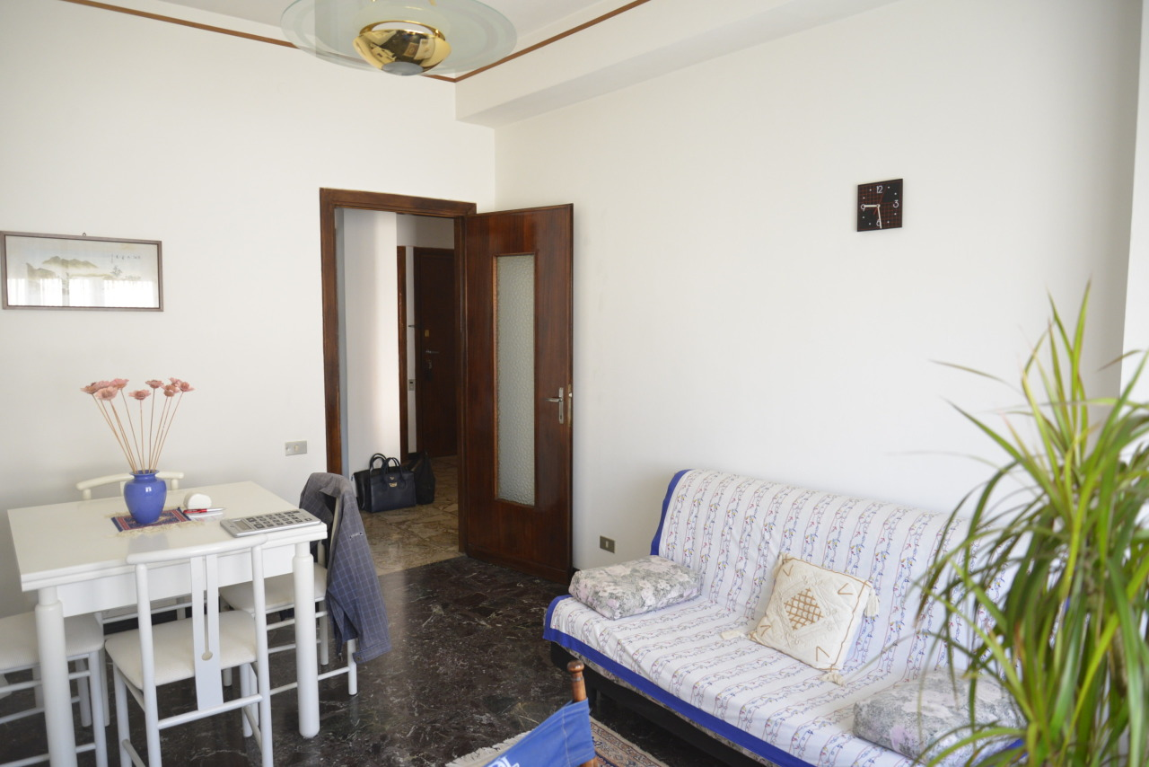 Appartamento in vendita a Savona, 3 locali, prezzo € 115.000 | CambioCasa.it
